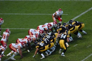The Pittsburgh Steelers square off against the Kansas City Chiefs, October 2006. Photo: By photo taken by flickr user SteelCityHobbies (flickr) [CC-BY-2.0 (http://creativecommons.org/licenses/by/2.0)], via Wikimedia Commons